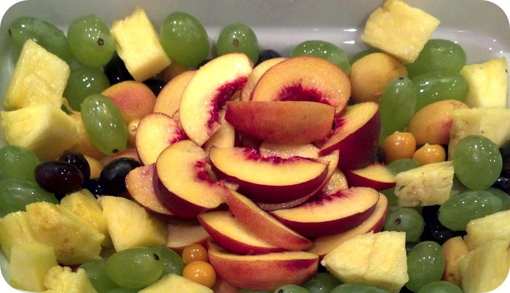 Nr. 85 - Obstschale mit Früchten der Saison