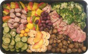 Frische Gemüse, gegrillt und mariniert, in Pancetta gegrilltes Schweinefilet, Lammrücken und gegrillte Scampi - ca. 1,5 kg - 95€